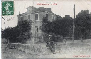 1-devant la place de la poste-1905-recto